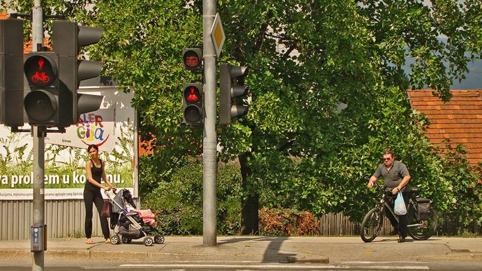 Semafor na Zagrebačkoj aveniji s odbrojavanjem sekundi čekanja