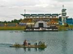 Ciljna ravnina veslačke staze jezera Jarun s tribinom i privremenom plutajućom pozornicom [GP 2004.]