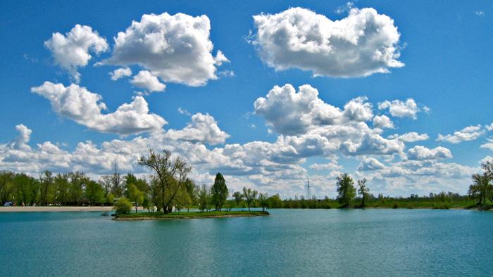 Malo jarunsko jezero s otokom ljubavi