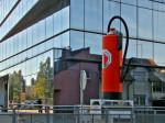 """Zaštitni znak tvornice """"Pastor"""" pred novom zgradom na mjestu bivšeg sjedišta tvrtke"""