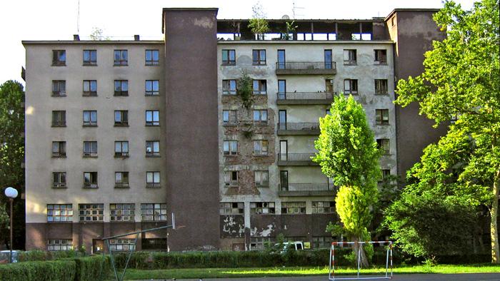 """Djelomično napuštena zgrada """"Sahara"""" [GP 2008.]"""