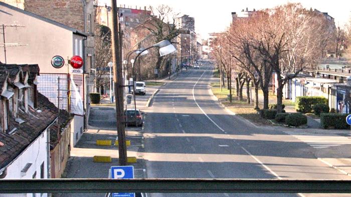 Pogled prema Trešnjevci (bila je nedjelja pa je ulica prazna!), Ulici Božidara Adžije. Snimio: Vanja