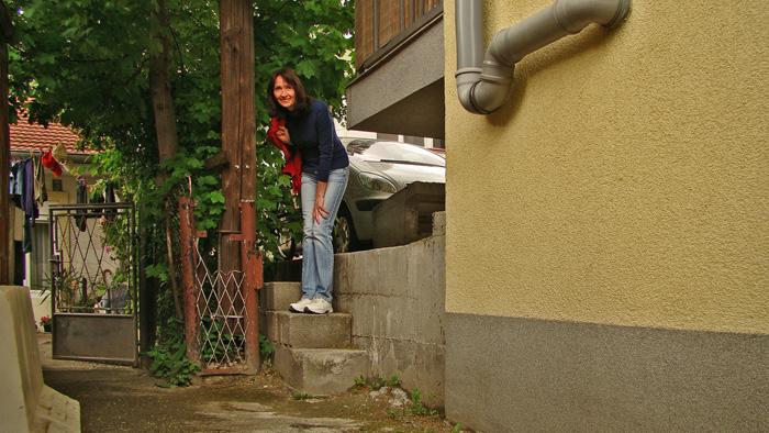 """""""Najkraća ulica"""" za pješake nije """"slijepa"""" - izlaz stepenicama u Taborsku ulicu [GP 2013.]"""