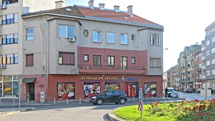 "Nekadašnji ""špeceraj"" na kružnom toku Nove ceste [VR 2013.]"