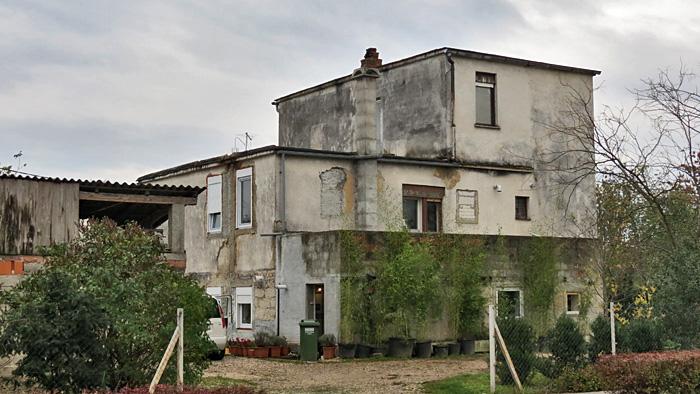 Divlja i nakaradna gradnja i nadogradnja u Mrkopaljskoj ulici [VR 2013.]