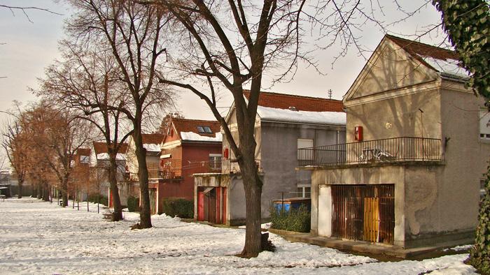 Dvorišna strana Naselja Istrana i invalida u Mošćeničkoj ulici [GP 2013.]