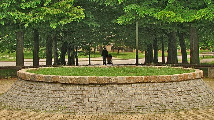 Park u Gajevom uz Ulicu Hrvoja Macanovića [GP 2013.]
