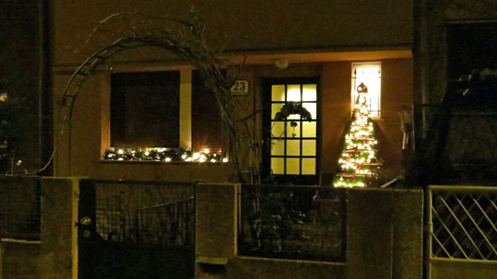 Intimni ukrasi obiteljske kuće u Mirkovečkoj ulici u Naselju Prve hrvatske štedionice [VR 2013.]