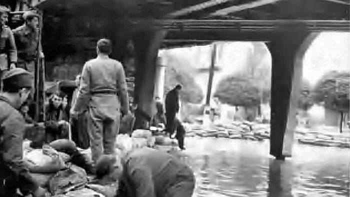 Nadvožnjak Savska cesta – Koturaška ulica za vrijeme velike poplave 1964. [HKV]