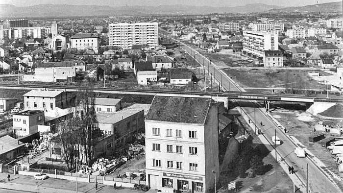 Pogled na nadvožnjak s Vjesnikovog nebodera (s istoka), 1967. [Drago Lipić 1967.]