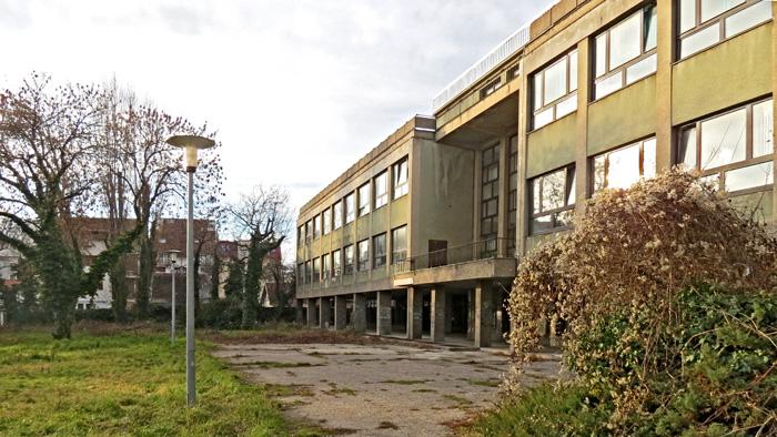 Današnji izgled zgrade IX. gimnazije u Dobojskoj ulici [VR 2014.]