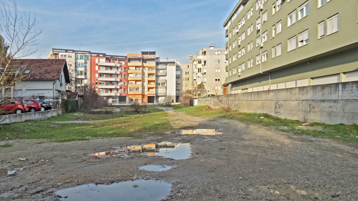 Napušteni teren između Prozorske ulice i Ulice Ćire Truhelke [VR 2014.]