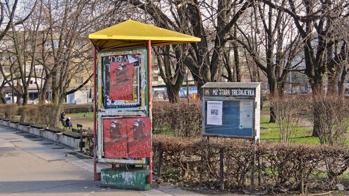 Oglasni stup javne namjene i oglasni ormarić Mjesne zajednice na Trešnjevačkom trgu [VR 2014.]