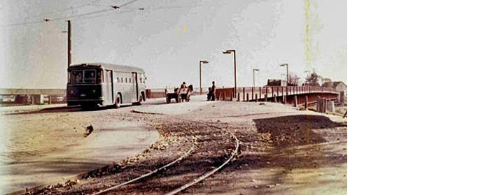 Tramvajsko okretište na kraju Savske ceste i Savski most davnih godina [web]