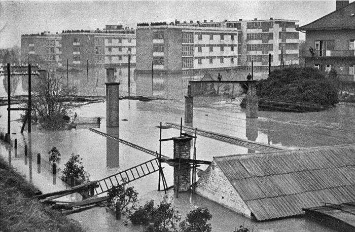 """Poplava 1964. - Područje željezničkog rasadnika i studentskog doma """"Šara"""""""