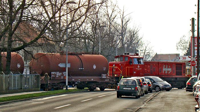 """""""Industrijski kolosijek"""" preko Zagorske ulice za snabdijevanje Elektrane-toplane gorivom [GP 2014.]"""