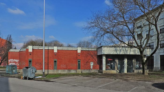 Zapuštena zgrada za stolni tenis (?) na Gredicama [GP 2014.]