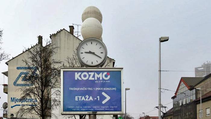 """""""Reklamni"""" sat na Trešnjevačkom trgu [VR 2014.]"""