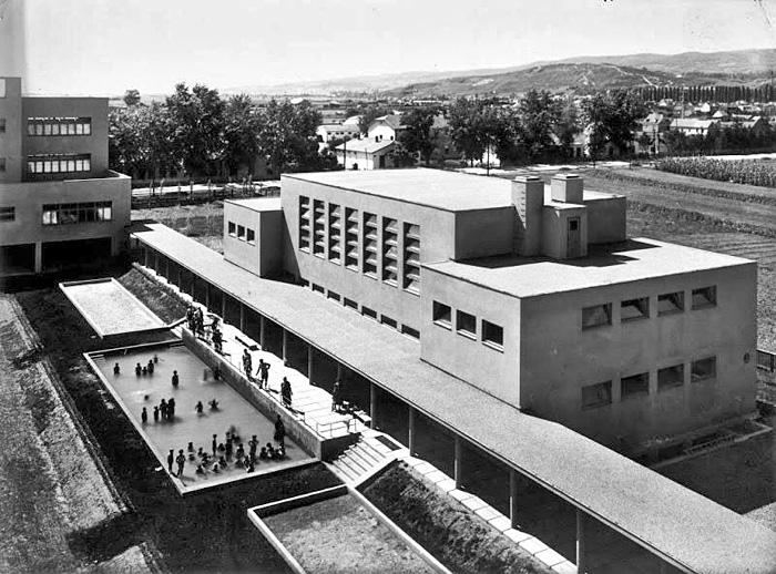 Osnovna škola Augusta Šenoe arhitekta Ivana Zemljaka iz 1931. - bazen