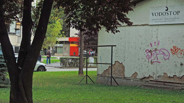Okvir za isprašivane tepiha u Gotalovečkoj ulici [GP 2014.]