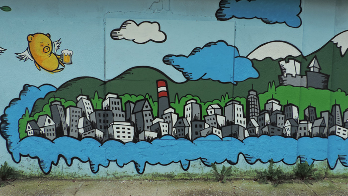 Dio grafita u Adžijinoj ulici koji prikazuje Trešnjevku (lijevo od Ciboninog tornja) [GP 2014.]