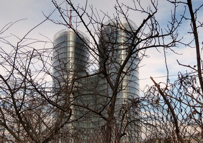 Poslovna zgrada Sky Office u Rudešu [VR 2015.]