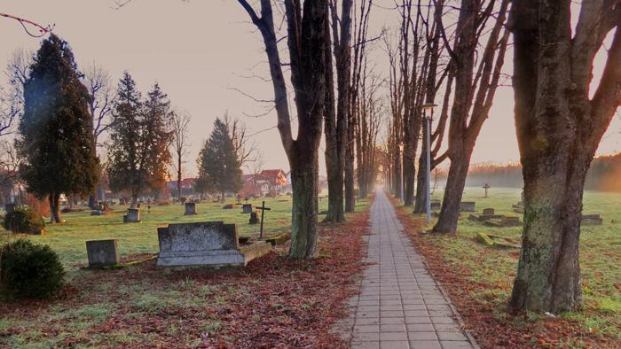 Napušteno groblje u Donjem Vrapču/Oranicama [VR 2015.]