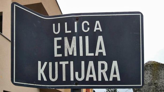Ulična tabla ulice imenovane po kazališnom glumcu [VR 2015.]