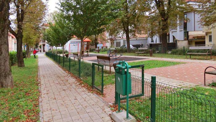 Park u Lošinjskoj ulici [ VR 2015.]