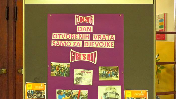 Plakat učenica Elektrostrojarske obrtničke škole na Selskoj izložen u hodniku Škole [GP 2016.]