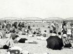 Kupanje Zagrepčana uz rijeku Savu oko 1934. godine [Janeković / web]