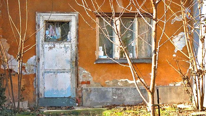 Napuštena kućica u dvorištu u Koturaškoj 73 [VR 2015.]